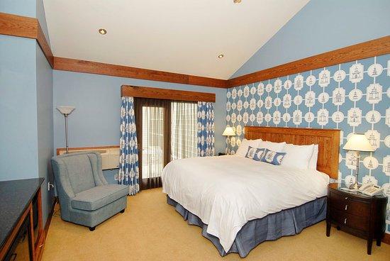 Bloomfield, Canada : Winemaker's Suite bedroom