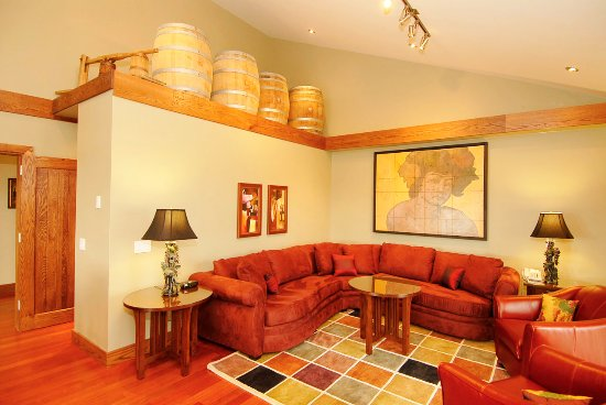 Bloomfield, Kanada: Winemaker's Suite Living Room