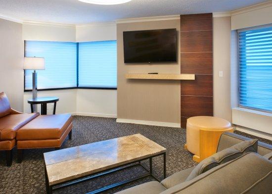 king junior suite picture of hilton minneapolis st paul airport rh tripadvisor com