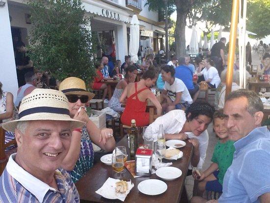 Santa Gertrudis, Spanien: ristoro piacevole e soddisfacente, in un luogo fantastico;