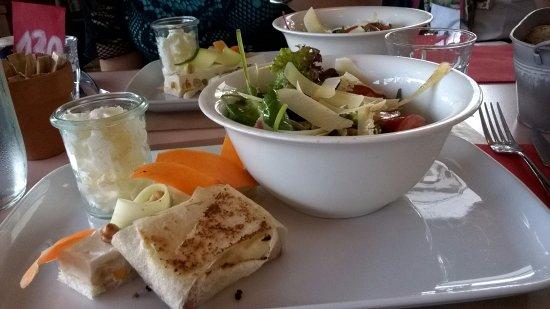 Annecy-le-Vieux, Frankrig: salade de chèvre