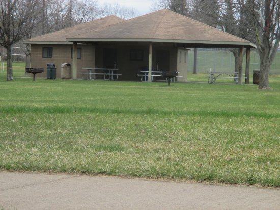 Fridley, MN: Pavilion with picnic tables and grills