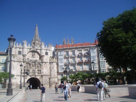 Asociacion de Guias oficiales de turismo de Burgos