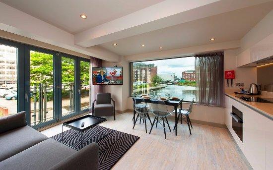 Duplex 2 Bedroom Apartment Living Area Picture Of La Reserve Aparthotel Manchester Tripadvisor