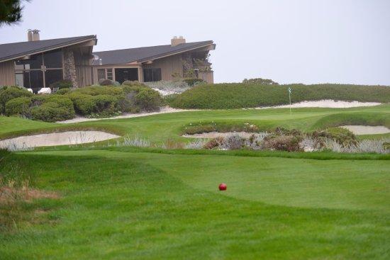 Pebble Beach, CA: Wish that was my house.
