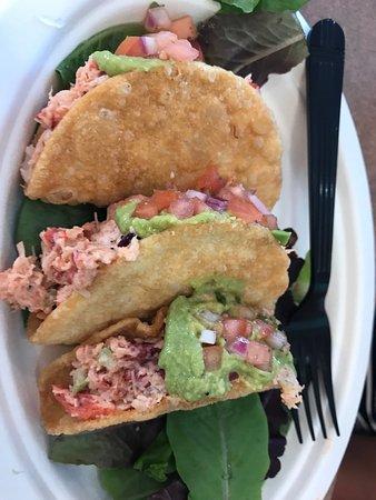 Island Park, NY: Clam bake, lobster tacos, lobster mac and cheese and clams oreganata
