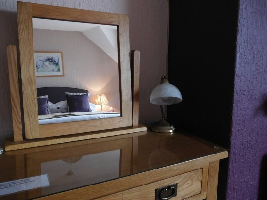 Portland House Bed And Breakfast: Beautiful Solid Oak Furniture In Kingsize  Room 6
