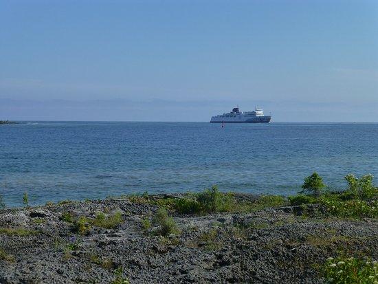 South Baymouth, Kanada: she's a big ferry