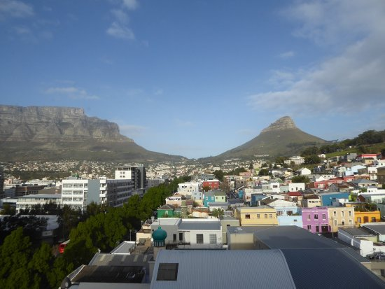 Hilton Cape Town City Centre: View of Table Mountain on left and Lion's Head on right with Bo-Kaap in the foreground