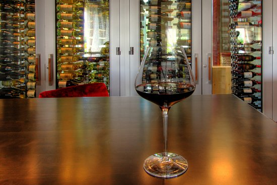 Ashburn, VA: EXTENSIVE WINE LIST & RESERVE WINE LIST