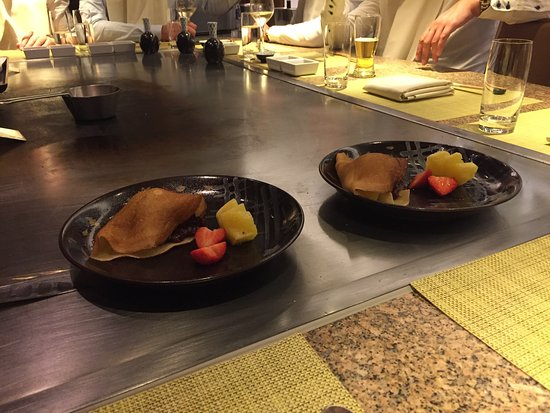 Teppanyaki Restaurant Sazanka: Classic Sazanka Menu (Black Angus Beef and Crepes with Japanese Ice Cream and Fruit Compote)