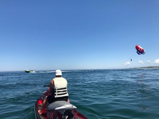 East Dennis, MA: Jet Ski's and Parasailing
