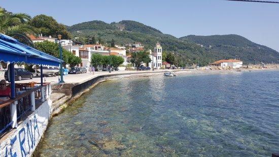 Loutraki, Grekland: Flisvos