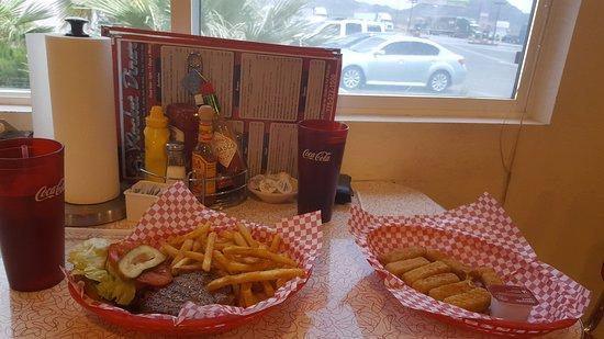 Amargosa Valley, NV: Hamburger e formaggio fritto