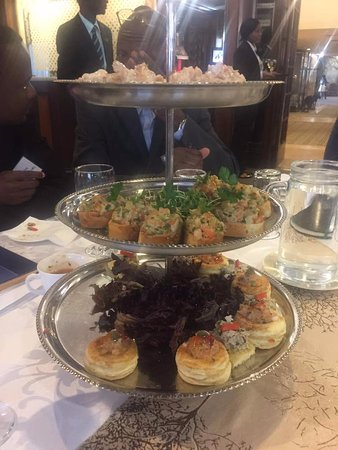 Meikles Hotel: Cold snacks offered at the light luncheon