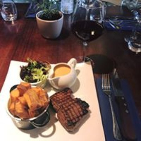 Rossett, UK: Rump & Red Every Wednesday, 8oz Celtic Rump steak and a choice of wine for #£12