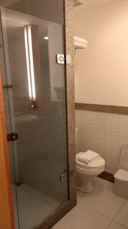 Verdegreen Hotel: Banheiro.