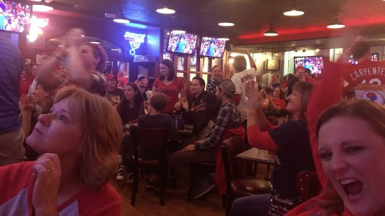 Creve Coeur, Μιζούρι: Cardinals playoff game