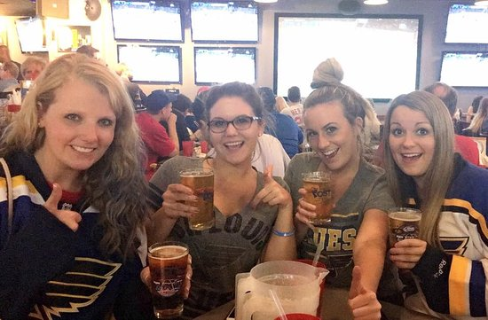 Creve Coeur, MO: Blues game