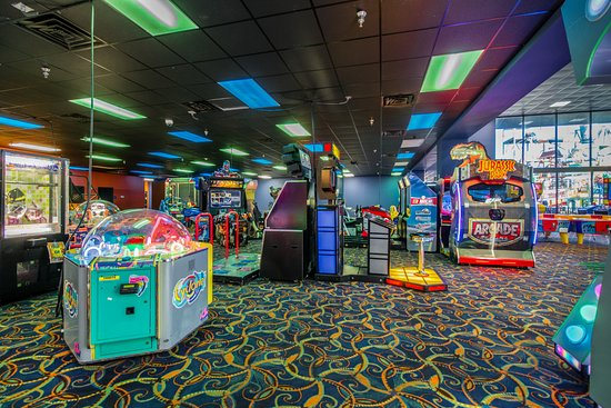 Coco Key Hotel and Water Park Resort: Arcade
