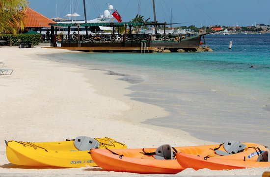 Kralendijk, Bonaire: Kayaks are available to guests free of charge