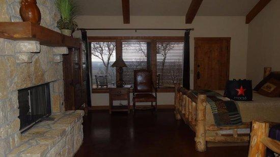 Graham, TX: very spacious room