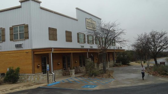 Graham, TX: nice old, west looking type of hotel