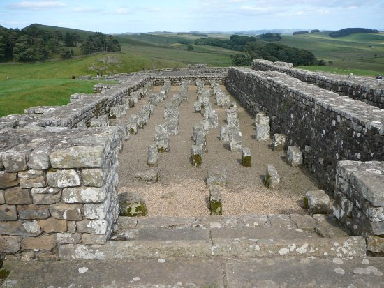 Walltown Crags - Hadrian's Wall : Remains of a granary store at Vindolanda