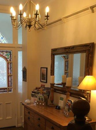 Melrose Guest House: Entrance