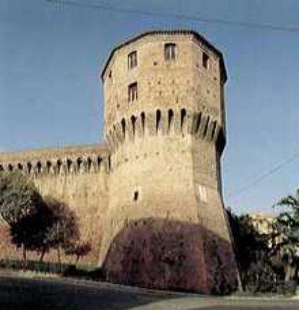 Piazza Baccio Pontelli: Il torrione