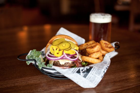 Arden Hills, MN: Build-Your-Own Burgers