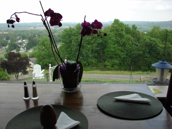 Dresden, OH: enjoy the view with your breakfast