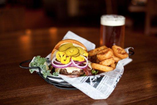 Blaine, Миннесота: Build-Your-Own Burgers