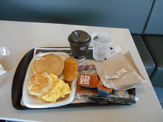 Paw Paw, MI: Big Breakfast with coffee and water