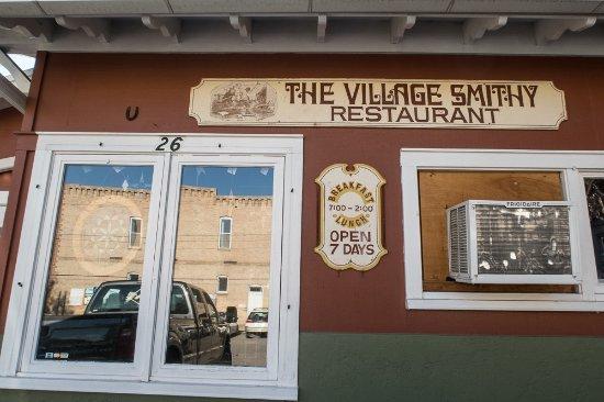 Village Smithy Restaurant: Entrance
