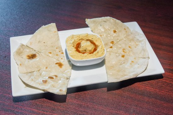 Chambersburg, PA: Hummus with bread