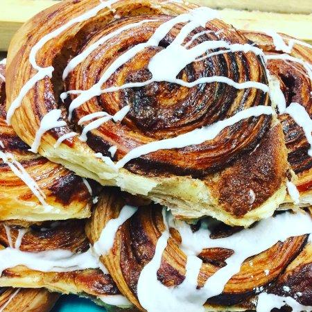 Suttons Bay, MI: Cinnamon roll croissant