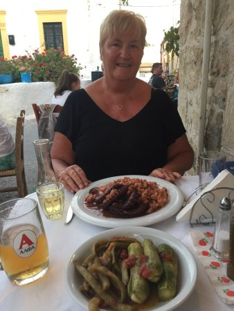 Kamilari, Grecia: Octopus with pasta. Magnificent