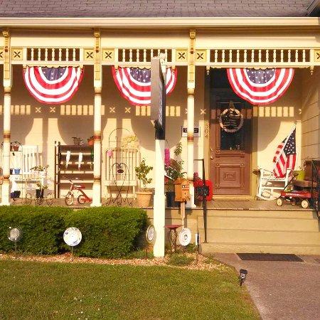 เมอร์ฟรีสโบโร, เทนเนสซี: Dreamingincolor located in Historic Downtown Murfreesboro Tennessee