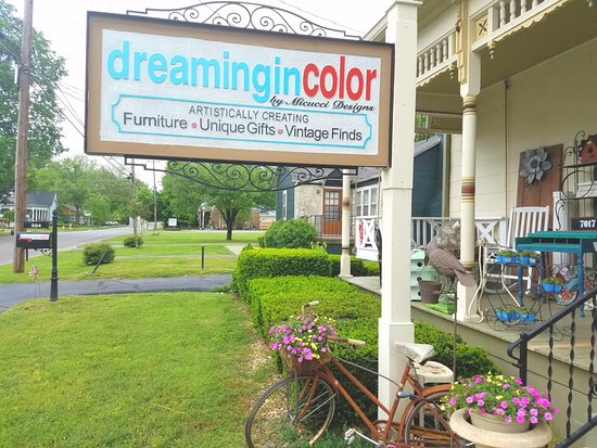 Murfreesboro, TN: Local Artists, Gifts, Furniture and Vintage Finds