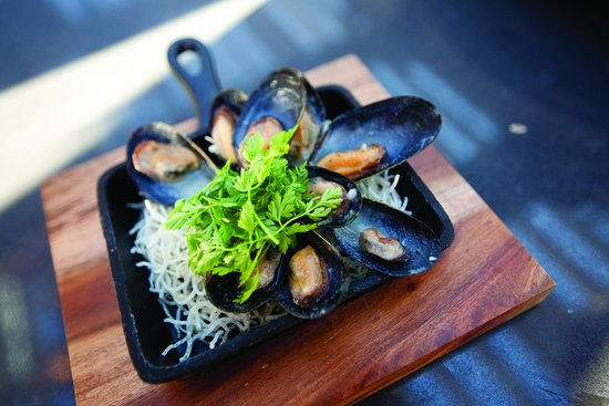 Langley City, Canada: Skillet Mussels