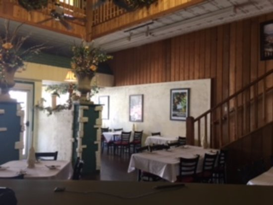Ottawa, KS: Downstairs Dining Room