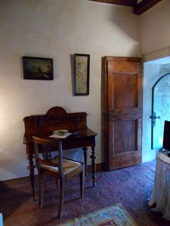 Castello Di Vigoleno Vernasca Italien Omd 246 Men Och