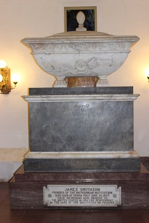 Smithsonian Institution Buidling: Mr Smithson's tomb