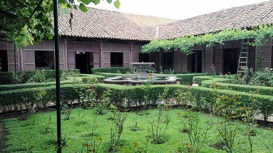 Museu de Arte Fundação Ortiz-Gurdian