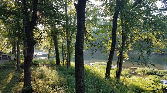 Lebanon, MO: View in the morning from one of the sites