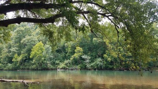 Maggard Canoe & Corkery Campground: ahhhhh the Niangua
