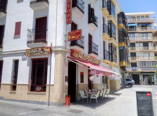 Alcala la Real, Spain: Hôtel situé sur la grande place
