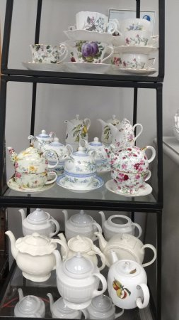 Wildwood, MO: Our beautiful tea pots. We have small pots for one and large pots to share.