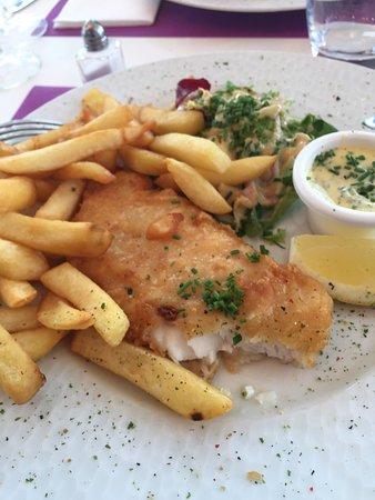 Le Lodge : Uitstekende fish and chips gegeten, snelle en vriendelijke service. Als we in de buurt zijn kome